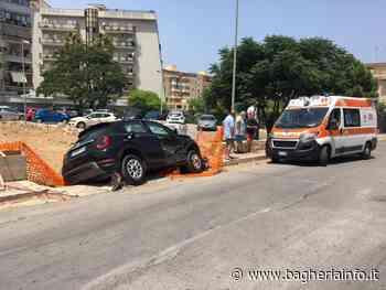 BAGHERIA: Violento impatto all'incrocio tra via Borsellino e mons. Arena - Bagheria Info