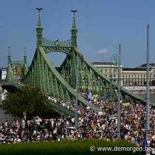 Ook al kijkt Orban mee, op de pride in Boedapest glimmen ze van trots: 'Hier voel ik me thuis'