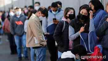 Largas filas se registraron en el velódromo del Estadio Nacional por vacunas contra el covid-19