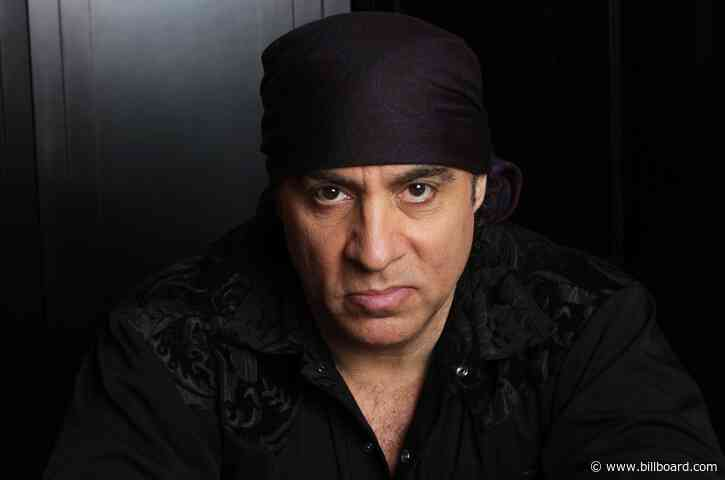 Steven Van Zandt on How His Friendship With Bruce Springsteen Informed His 'Sopranos' Role
