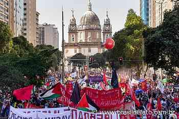 Ato contra Bolsonaro no Rio de Janeiro leva 75 mil pessoas às ruas do centro da capital - Brasil de Fato