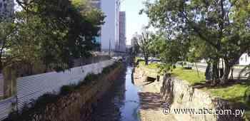 En medio de cloaca del arroyo Jaén, oficinas de Gobierno casi concluyen - Nacionales - ABC Color
