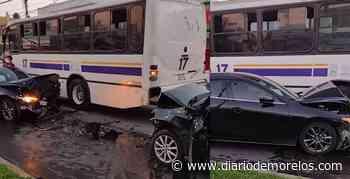Se registra fuerte choque entre dos automovilistas y una ruta en Jiutepec - Diario de Morelos