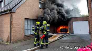 Düsseldorf: Garage brennt in Neuss – Feuerwehr verhindert Schlimmeres - t-online
