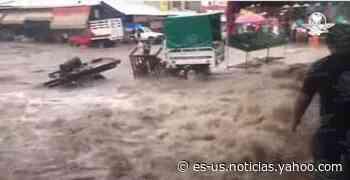 Fuertes lluvias y vientos torrenciales inundan Nueva Italia, en Michoacán - Yahoo Noticias