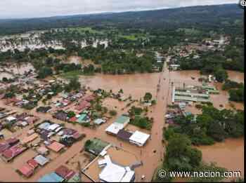 Nivel del agua alcanzó metro y medio en San Rafael de Guatuso - La Nación Costa Rica