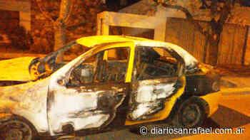 Accidente vial terminó con un taxi incendiado - Diario San Rafael