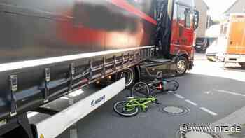 Goch: Lkw erfasst Radfahrer beim Abbiegen – schwer verletzt - NRZ