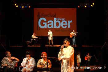 """Festival Gaber, ultima serata a Camaiore con La rappresentante di lista: """"Inseguiamo la libertà e siamo una Queer band"""" - Luce"""