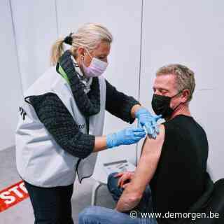 Vlaanderen zet deze week ruim een half miljoen prikken: meer dan helft is volledig gevaccineerd