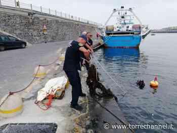 Portici - Recuperate quattro reti abbandonate nelle acque del Porto - Torrechannel