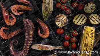 Secretos de delicias al rojo vivo para una barbacoa junto al mar - La Vanguardia