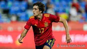 Spurs sign Spain star Gil; Lamela joins Sevilla