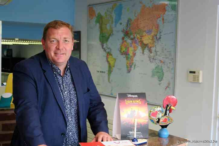 """Burgemeester Maarten De Veuster drie weken in quarantaine zonder zelf besmet te zijn: """"Roomservice voor zieke gezinsleden en tuinhok opruimen"""""""
