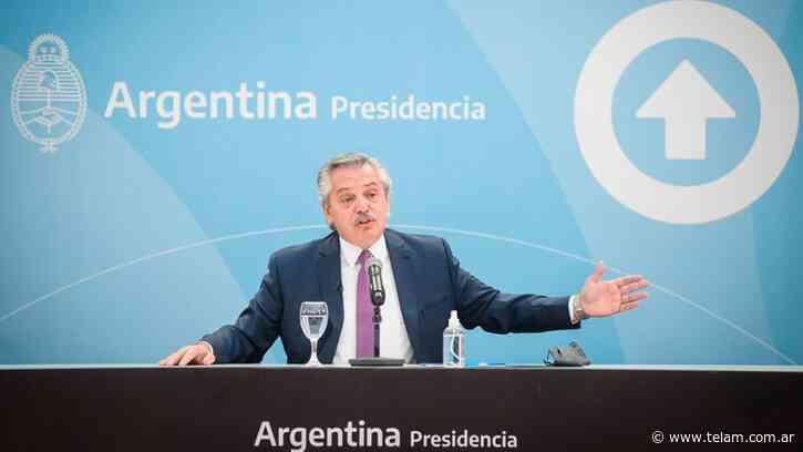 Alberto Fernández entrega en Merlo viviendas construidas por el Plan Procrear - Télam