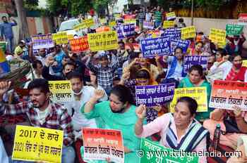 SSA, mid-day meal staff seek regularisation of jobs - The Tribune India