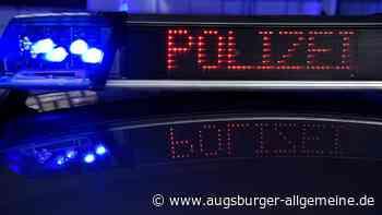 Motorradfahrer nach Unfall schwer verletzt: Autofahrer passt beim Überholen nicht auf - Augsburger Allgemeine
