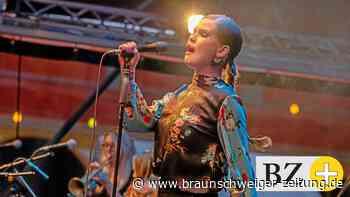 Ina Forsman: Gänsehaut und tanzendes Publikum in Wolfenbüttel