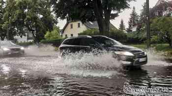 Wetter: Unwetter über Berlin und Brandenburg – überflutete Straßen, Blitzeinschläge und umgestürzte Bäume in Barnim und Oberhavel - moz.de