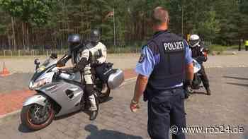 Video | Polizeikontrollen in Brandenburg - Polizei bremst Biker aus - rbb24