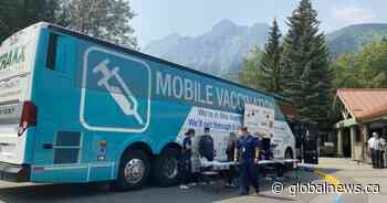 COVID-19: Alberta's 1st mobile vaccination clinic rolls into Kananaskis Country