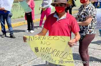 Comerciantes acusan abusos policiales y toman calles de Xalapa | e-consulta.com Veracruz2021 - e-consulta Veracruz