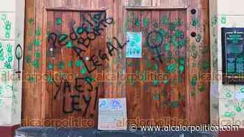 Siempre sí, limpiarán pintas feministas en Catedral de Xalapa - alcalorpolitico
