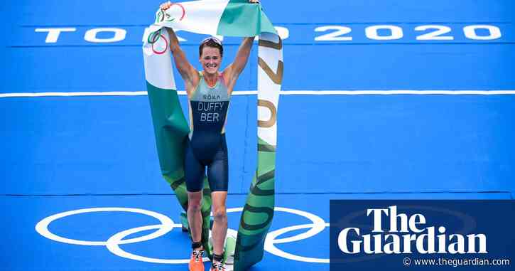 Olympic triathlon: Duffy wins first gold for Bermuda as Britain's Taylor-Brown gets silver