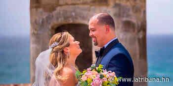 En la Isla del Encanto se casaron Ana Figueroa y Jerry Colón - La Tribuna.hn