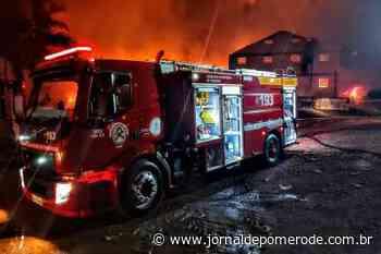 Vídeos: Corporação de Pomerode presta apoio a mais um incêndio, em Jaraguá do Sul - Jornal de Pomerode