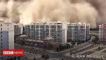 Sandstorm swallows city in northwestern China