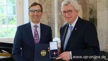 Obertshausener Unternehmer Wolf Matthias Mang erhält das Verdienstkreuz 1. Klasse - op-online.de