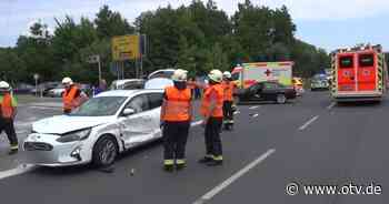 Zwei Verletzte und hoher Sachschaden bei Verkehrsunfall bei Eschenbach - Oberpfalz TV