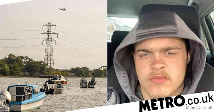 Teen, 18, feared drowned after vanishing while trying to save 10 children in sea