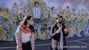 Quilmes: Mayra Mendoza y Ceci Soler recorrieron el avance de las obras en el barrio IAPI - ámbito.com