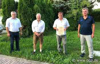 ESV Plattling ernennt Hans Hofstetter zum Ehrenvorsitzenden - Plattling - Passauer Neue Presse