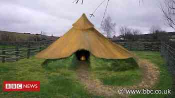 Veterans help with Bronze Age roundhouse reconstruction