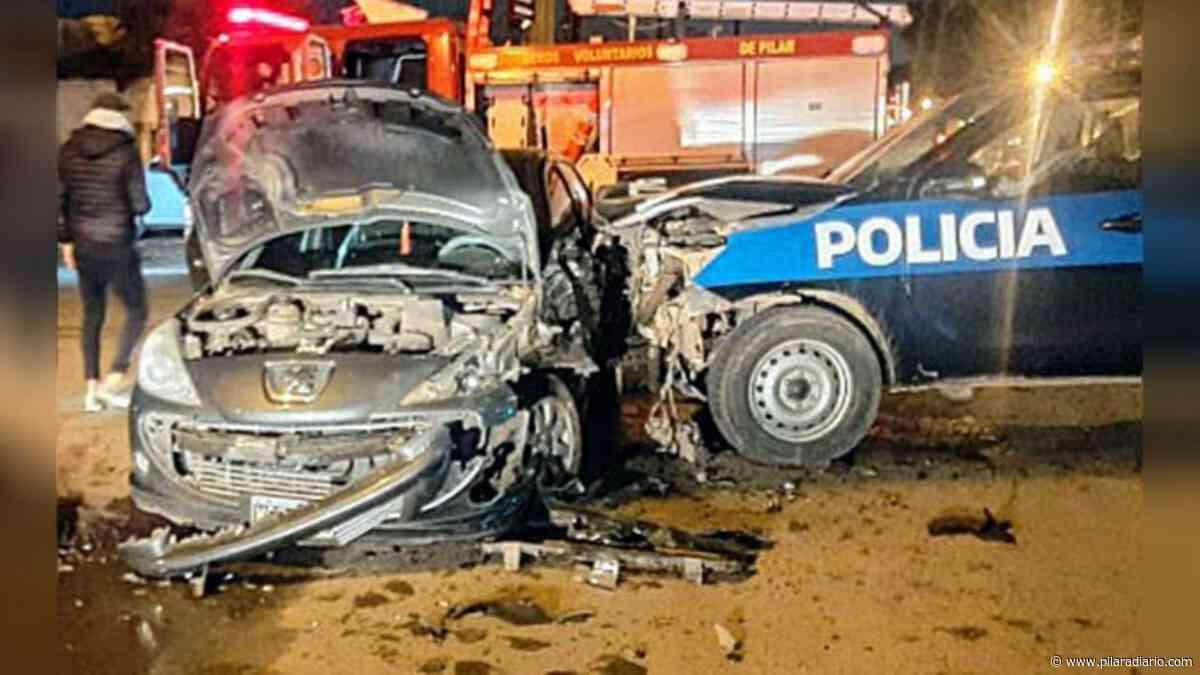 Mujer policía resultó herida al chocar contra un patrullero - Pilar a Diario