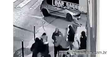Homem é morto com 15 tiros em bar em Juiz de Fora - Estado de Minas