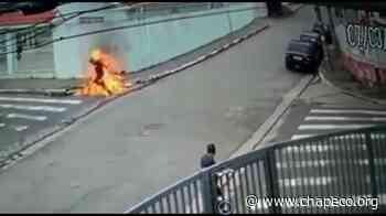 Homem ateia fogo no próprio corpo em Indaial - Chapeco.Org