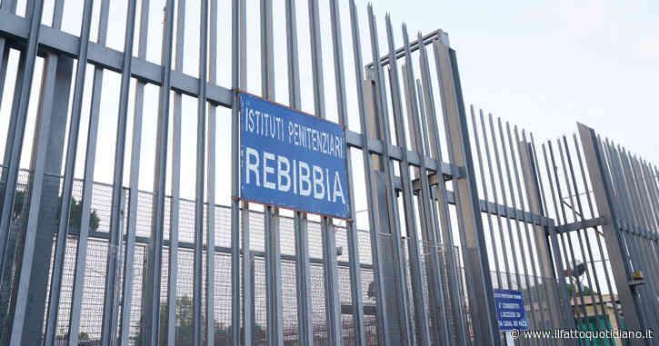 """Roma, le auto di due agenti penitenziari di Rebibbia incendiate con bombe molotov. Sappe: """"Grave e inquietante episodio"""""""
