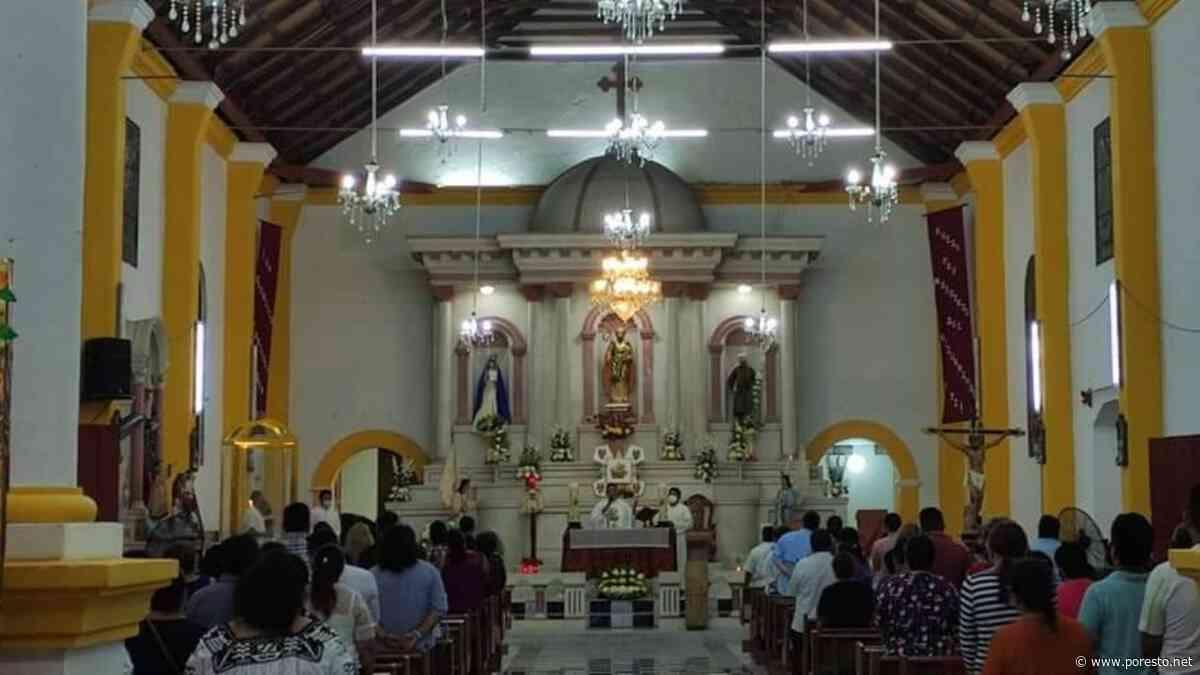 Pese a COVID-19, bajan de su altar a San Joaquín para novenario en Palizada, Campeche - PorEsto