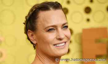 Robin Wright looks like a princess in beautiful red gown for epic throwback
