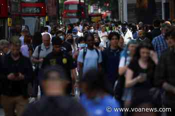 As Britain Reopens, Scientists Warn of Fertile Ground for Coronavirus Variants - VOA Asia