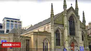 Priest attacked by man with bottle in Edinburgh cathedral