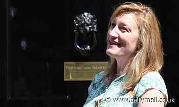 Government's spokesman says don't rinse plates before dishwasher but No10 has a poor eco-rating