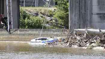 Pullach: Hubschrauber rettet Schlauchbootfahrer aus Isar - Merkur Online