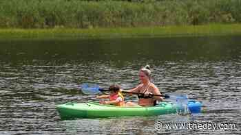 Family kayaking - News from southeastern Connecticut - theday.com