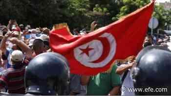 El primer ministro tunecino acepta su cese y el traspaso pacífico de poderes - Agencia EFE
