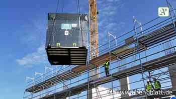 Bauprojekt: Hier schwebt ein fertiges Badezimmer ins Bergedorfer Tor ...